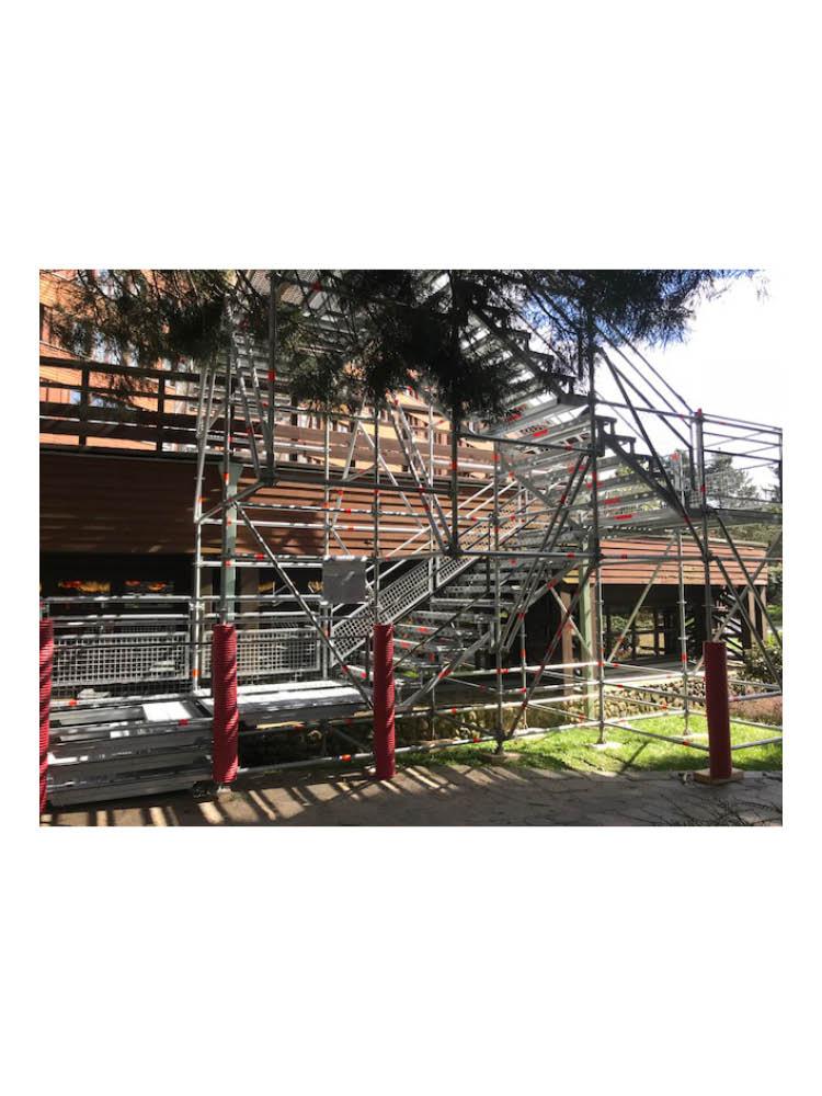 J4R-escalier-publique-et-chantier-6