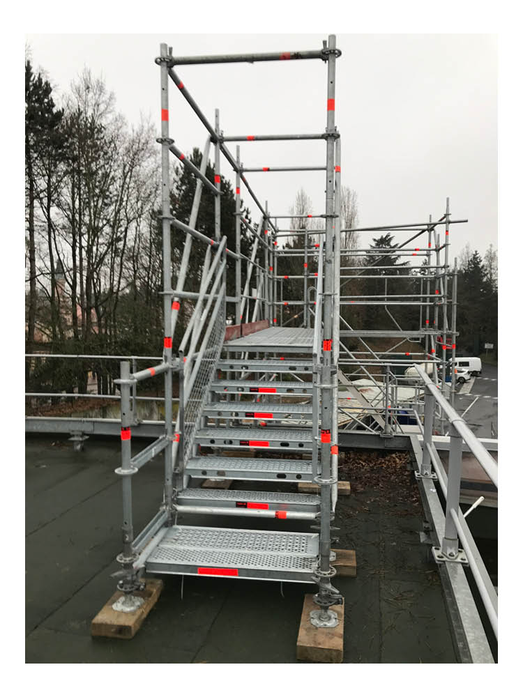 J4R-escalier-publique-et-chantier-9